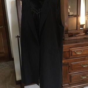 Chelsea & Theadore black sleeveless jacket XL